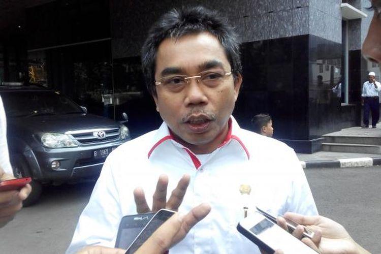 Sekretaris Fraksi PDI Perjuangan DPRD DKI Gembong Warsono.