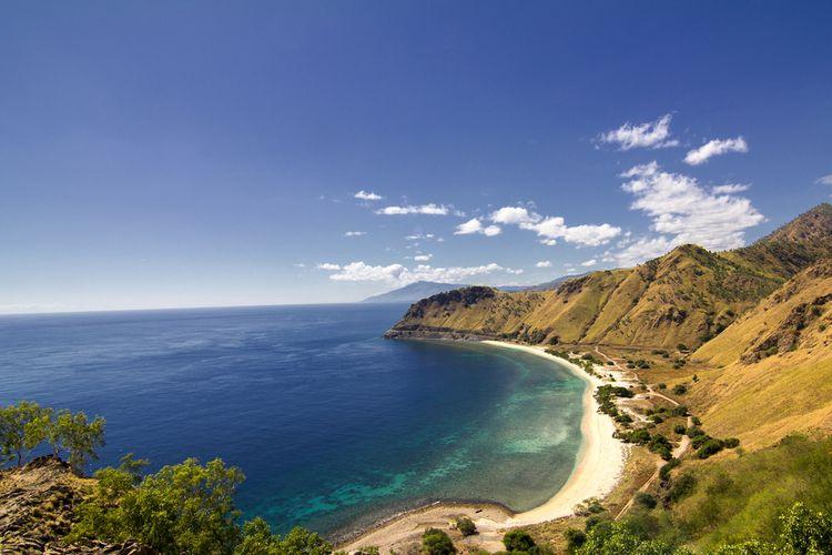 Pemandangan dari Patung Cristo Rei di Dili, Timor Leste.