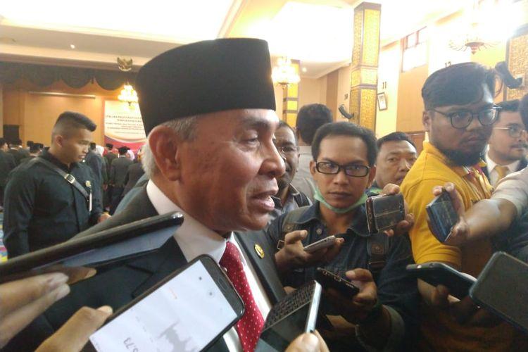 Gubernur Kalimantan Timur Isran Noor saat diwawancarai awak media di Kantor Gubernur Kaltim, Rabu (31/7/2019).