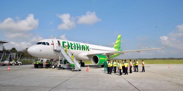 Pendaratan perdana pesawat Airbus A-320 dari maskapai penerbangan Citilink berlangsung mulus di landasan Bandara Banyuwangi, Kamis (9/8/2018).