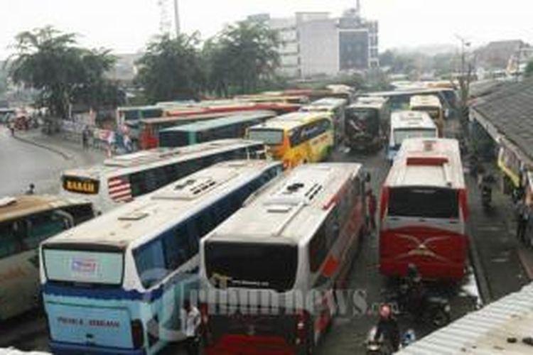 Terminal Bus Pulogadung, Jakarta Timur.