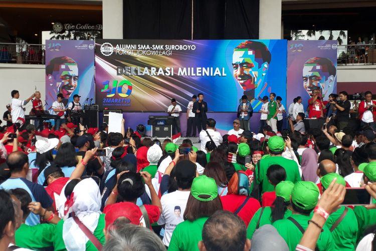 Emil Dardak berorasi di acara Deklarasi Milenial di Surabaya, Sabtu (2/3/2019)