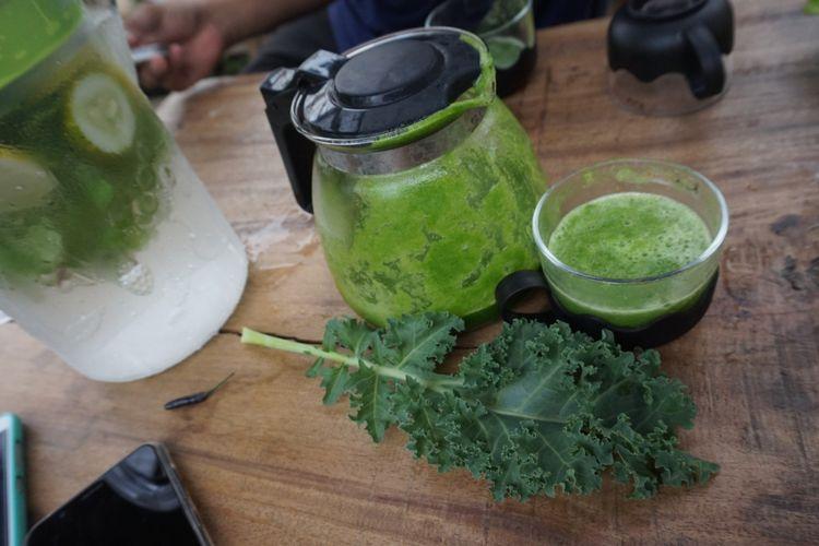 Jus sayur kale di Cahaya Hydrofarm Banyuwangi, Jawa Timur.