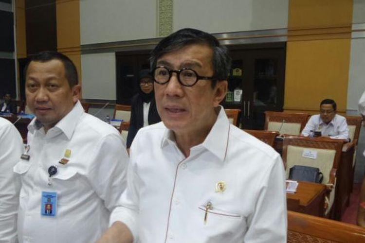 Menteri Hukum dan HAM Yasonna Laoly di Kompleks Parlemen, Senayan, Jakarta, Kamis (19/1/2017).