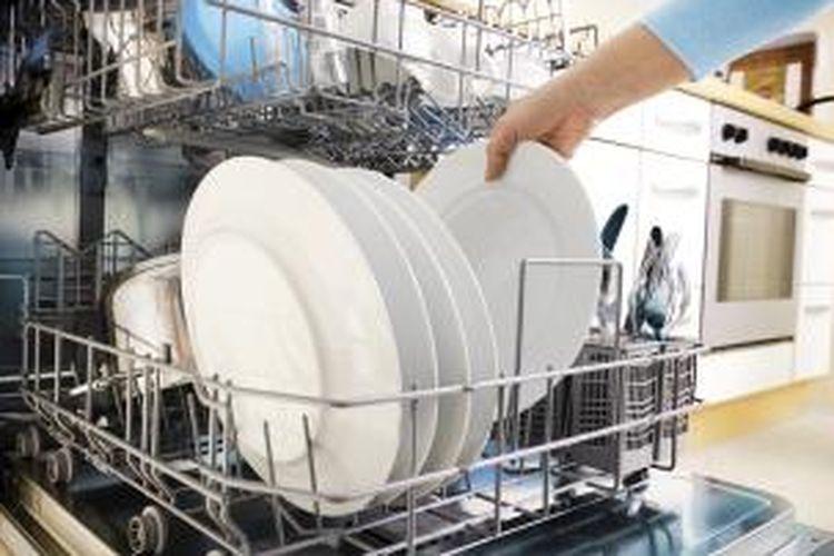 Studi menunjukkan, ketika digunakan untuk memaksimalkan fitur hemat energi, mesin pencuci piring modern dapat mengungguli mencuci dengan tangan yang paling hemat sekalipun