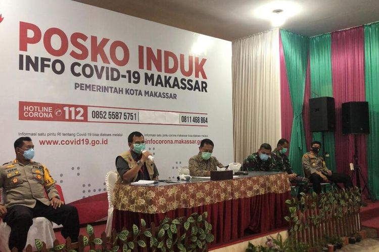Tim Gugus Tugas Percepatan Penanganan Covid-19 menggelar rapat evaluasi hari ke tiga penerapan Pembatasan Sosial Berskala Besar (PSBB) di Kota Makassar, Minggu (26/4/2020) sore.