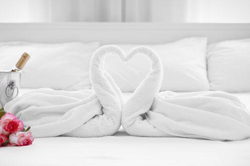 Mengapa Bercinta di Kamar Hotel Lebih Bergairah