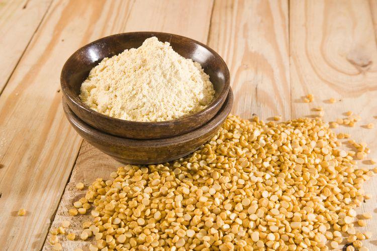 Ilustrasi tepung chickpea atau kacang arab, disebut besan di India.