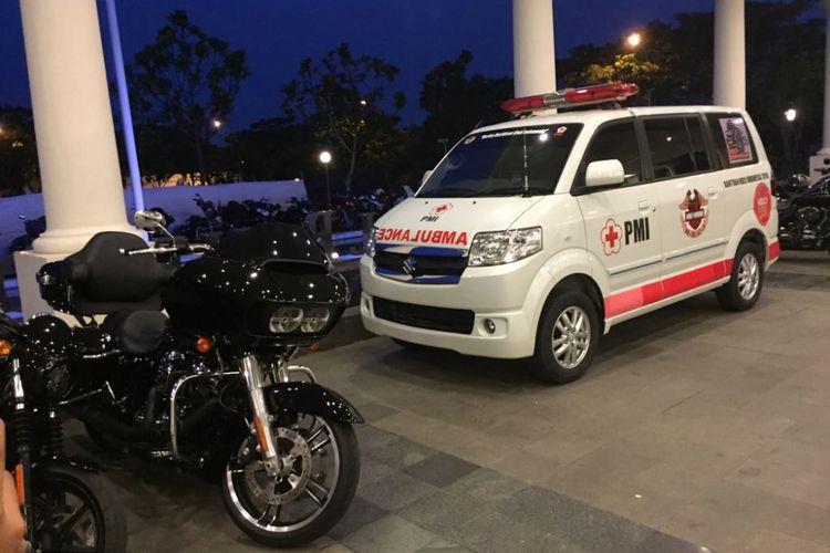 Harley-Davidson Club Indonesia (HDCI) memberikan sumbangan berupa satu unit mobil ambulan untuk Palang Merah Indonesia (PMI).
