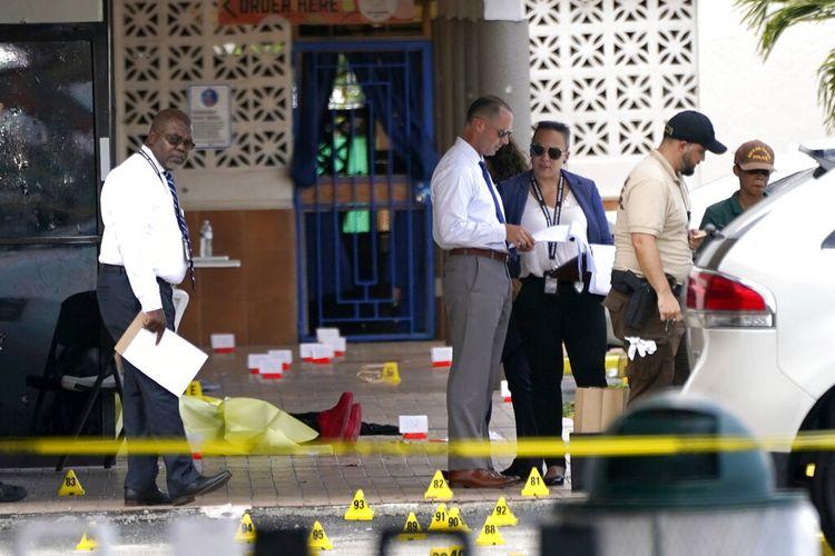 Penembakan Massal Florida: Tiga Pelaku Tembakkan 100 Peluru Masih dalam  Pengejaran Halaman all - Kompas.com