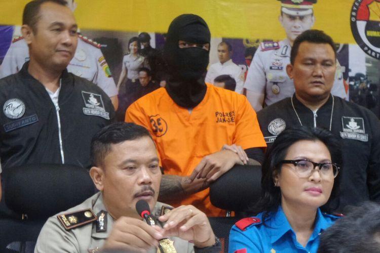 Artis peran Tora Sudiro dalam jumpa pers di Polres Metro Jakarta Selatan, Jumat (4/8/2017).
