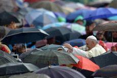 Paus Fransiskus Kirim Uang untuk Perempuan Tua yang Kecopetan