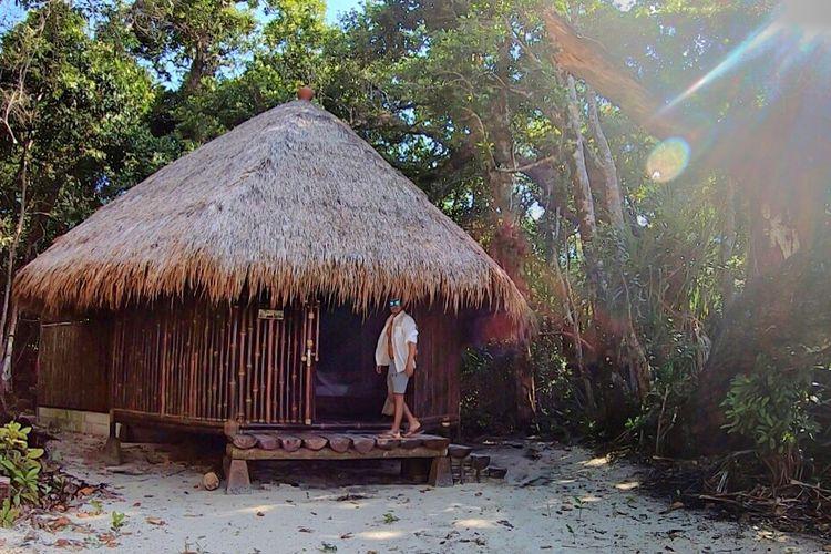 Wisatawan mancanegara tengah menginap di Batik Villa, Nikki Peucang.