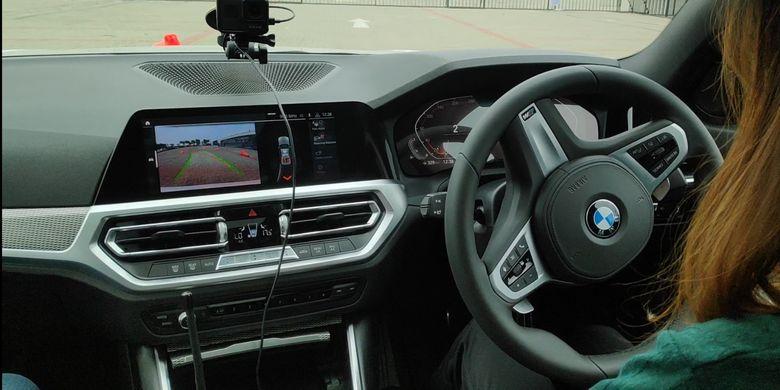 Pengalaman mencoba Reversing Assistant di BMW SERI 3 terbaru