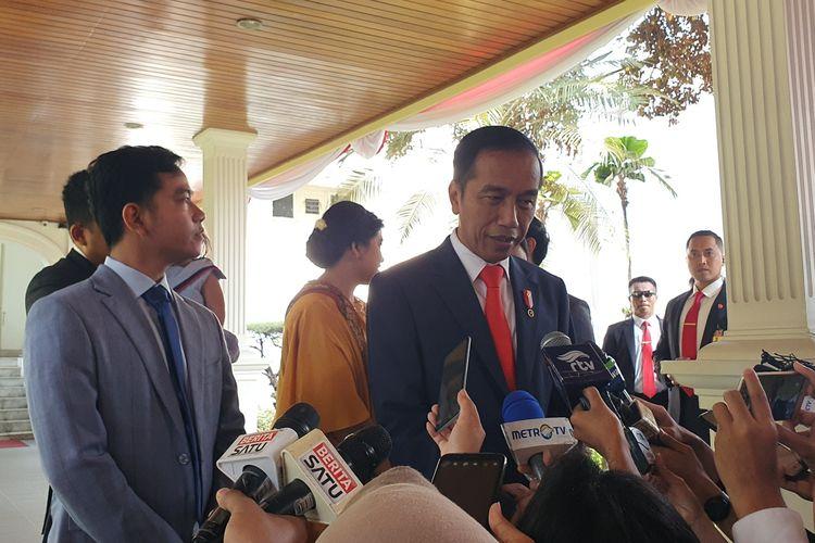 Presiden Joko Widodo berangkat ke gedung MPR untuk acara pelantikan didampingi seluruh keluarganya. Jokowi berangkat dari Istana Merdeka, Jakarta pukul 14.17 WIB, Minggu (20/10/2019).