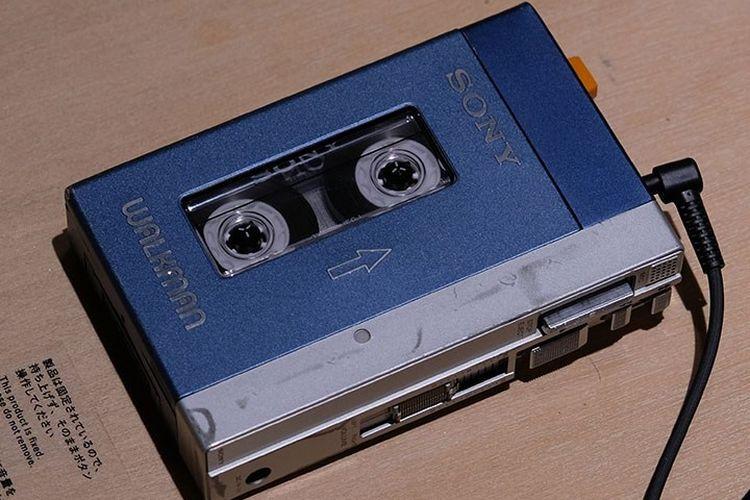 Perangkat pemutar musik Sony Walkman.