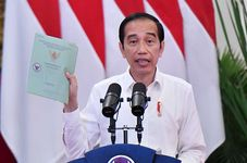 Mass Covid-19 Vaccination Must Be Done Less than 12 Months, Jokowi Tells
