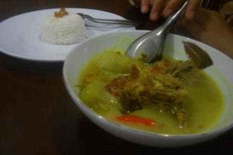 Nasi kropokhan konon merupakan menu kesukaan Raja Demak. Kuliner dengan olahan daging kerbau dan labu putih itu disajikan di Rumah Makan Pawon Wolu, Jalan Sultan Hadiwijaya nomor 40, Kelurahan Mangunjiwan, Demak Kota, Jawa Tengah.