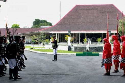 Mengintip Prosesi Pergantian Prajurit Pura Pakualaman Yogyakarta