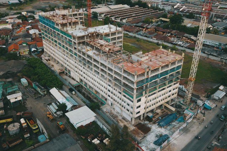 Pembangunan proyek Apartemen Aspena Residence.