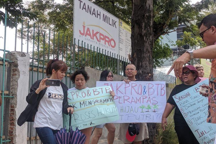 Demonstrasi di Taman Pluit Putri, Penjaringan, Jakarta Utara, Senin (4/11/2019)