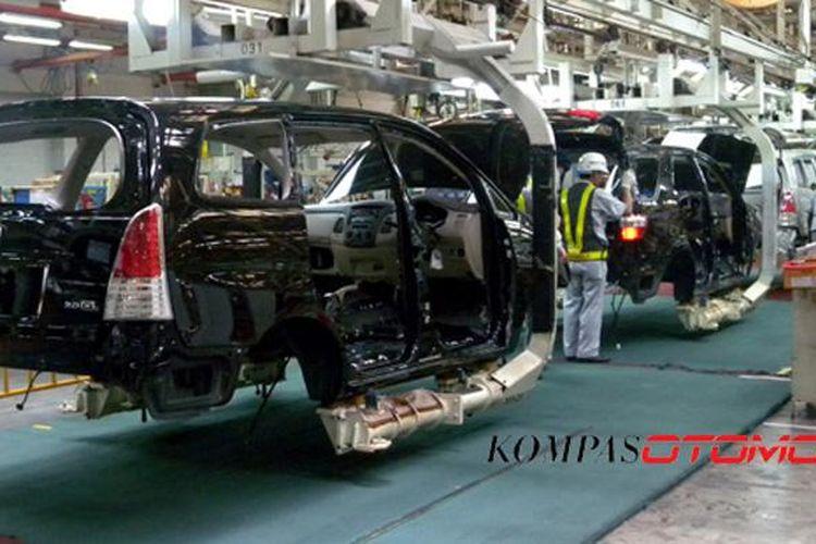 Pabrik Toyota di Karawang, memproduksi Innova.