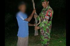 Seorang Petani Asal NTT Serahkan Senjata Api ke TNI Perbatasan Indonesia-Timor