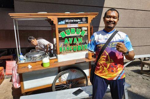 Semangkok Cerita Bang Udin, Penjual Bubur Difabel yang juga Pemanah Berprestasi