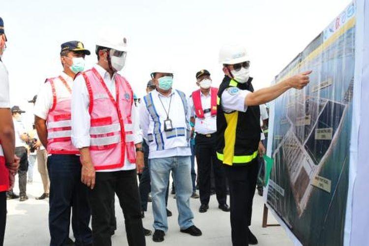 Menteri Perhubungan (Menhub) Budi Karya Sumadi memaparkan progres pembangunan Pelabuhan Patimban, Jawa Barat