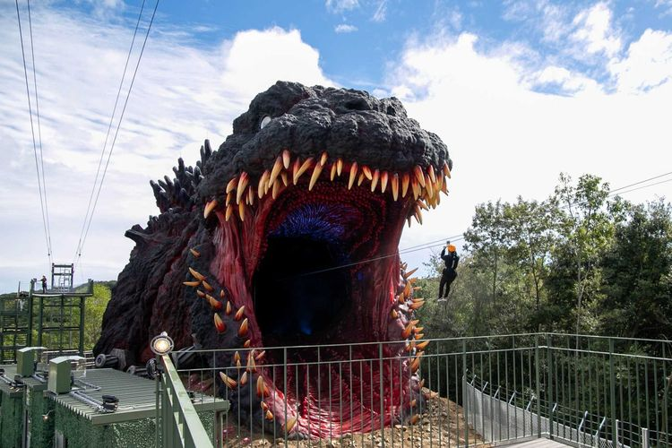 Godzilla Interception Operation Awaji, zipline menuju perut Godzilla