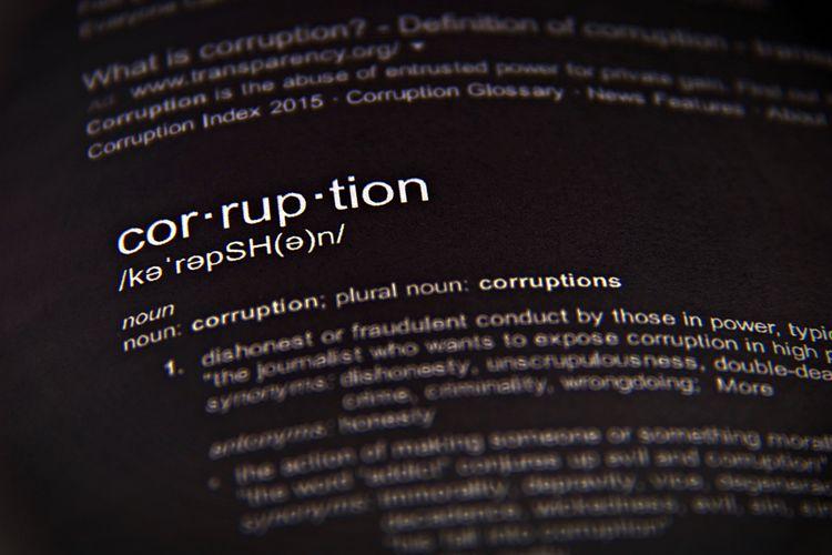 Arti kata korupsi dalam bahasa Inggris.