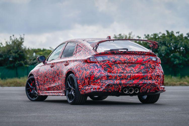 Honda Civic Type R generasi baru dalam kamuflase.