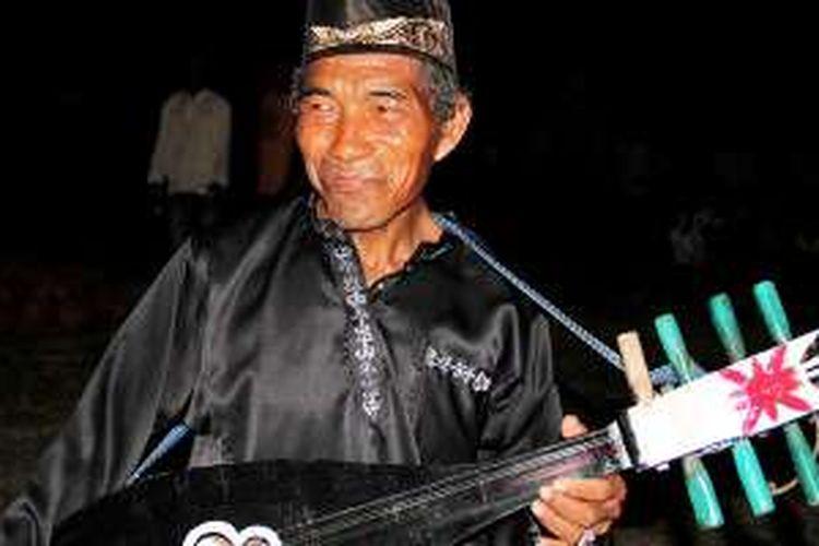 Abdullah Husein, Khalifah Zapin Api dari Riau.
