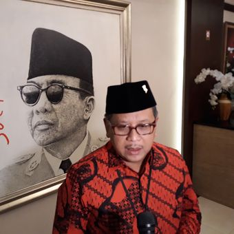 Sekjen PDI Perjuangan Hasto Kristiyanto di Kantor DPP PDI Perjuangan, Jakarta, Selasa (24/7/2018).