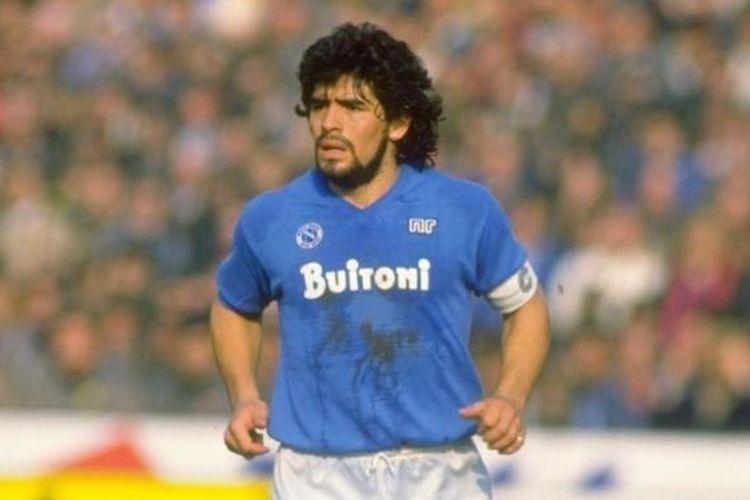 Diego Maradona ketika masih bermain untuk Napoli.