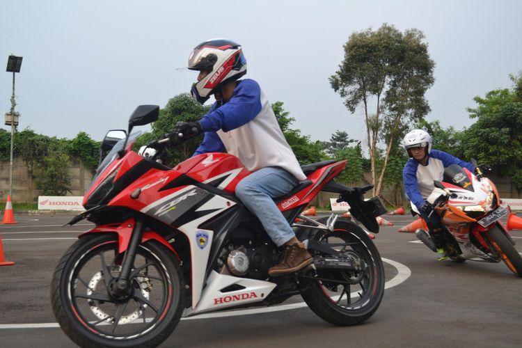 Edukasi Safety Riding