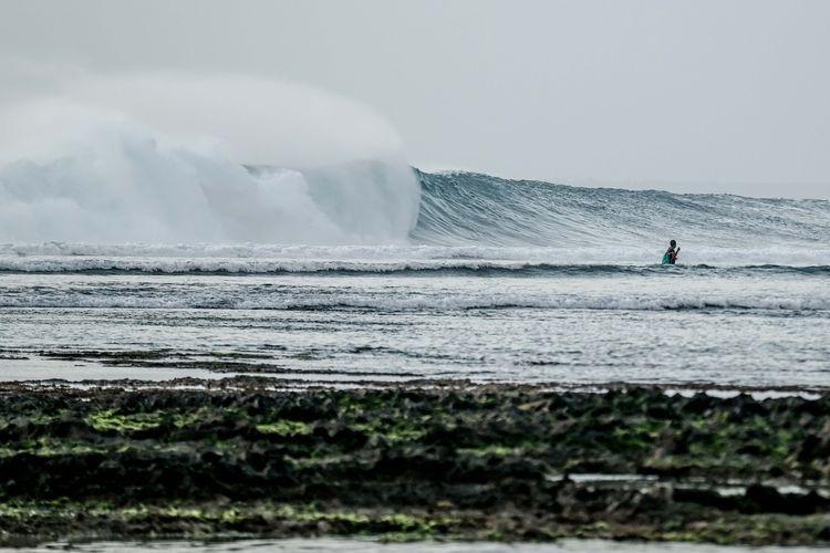 G-Land atau Pantai Plengkung Banyuwangi, Jawa Timur.