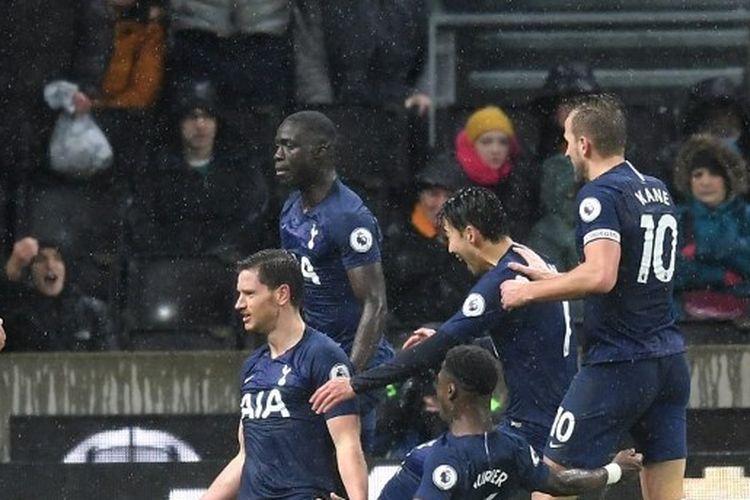 Wolves Vs Tottenham Hotspur, The Lilywhites Sukses Petik 3 Poin