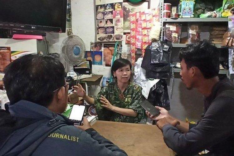 Susanna Indriyani (57), pemilik toko sembako di Jalan K Teluk Gong, Penjaringan, Jakarta Utara, saat ditemui pada Rabu (4/3/2020).