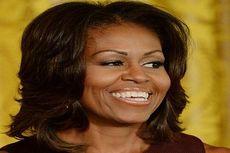 Michelle Obama Izinkan Wanita Jalan Telanjang Kaki di Gedung Putih