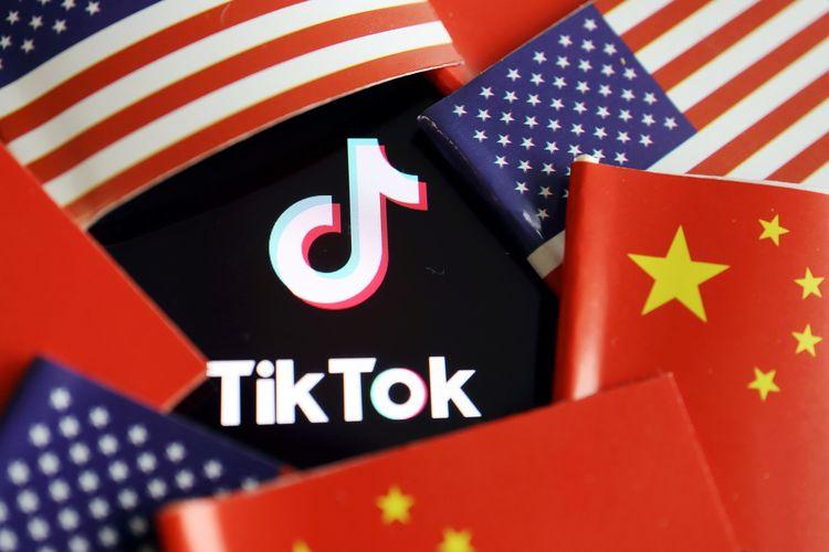 Ilustrasi logo TikTok di konflik AS-China.