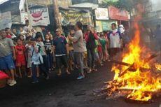 Protes Penertiban, Warga Kompleks Batalyon Siliwangi Blokade Jalan
