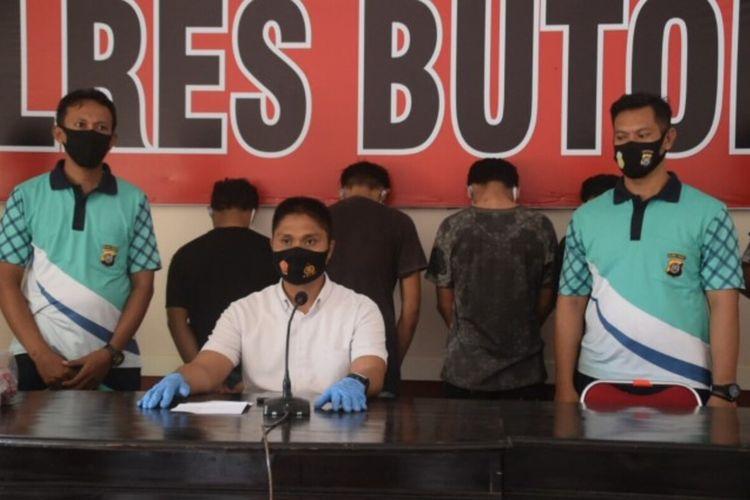 Satuan Reskrim (Satreskrim) Polres Buton berhasil mengamankan empat orang pelaku pemerkosaan seorang remaja putri di Buton Selatan, Kamis (12/11/2020) malam.