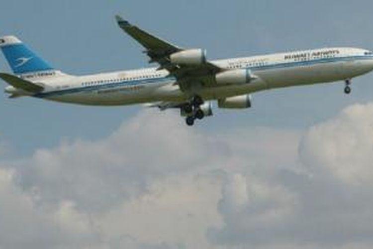 Kebijakan maskapai itu ditentang setelah menolak menjual tiket penerbangan kepada seorang warga Israel, Eldad Gatt di bandara Heathrow, London dua tahun lalu.