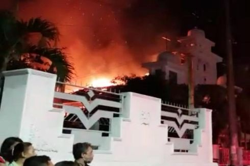 Gereja GMIM Solagratia di Manado Terbakar