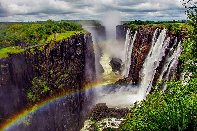 Keindahan Air Terjun Victoria di Negara Zambia.