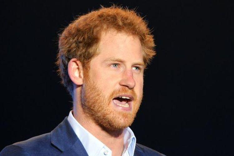 Pangeran Harry dari Inggris berbicara di panggung Sentebale Concert di Istana Kensington, Londpn, Inggris, pada 28 Juni 2016.
