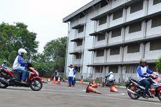 "Edukasi ""Safety Riding"" Buat Kurir Bersepeda Motor"