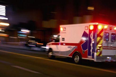 Mobil Ambulans Berisi 7 Pemudik Terjaring di Gerbang Tol Cikarang