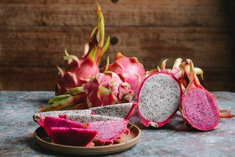 Ilustrasi buah naga.